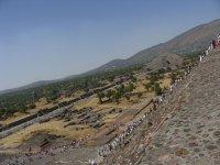 Arriba Piramide Sol, Plaza y Piramide Luna 01