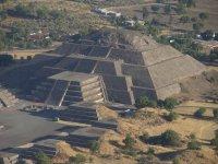 Vista Aerea Piramide de la Luna 01
